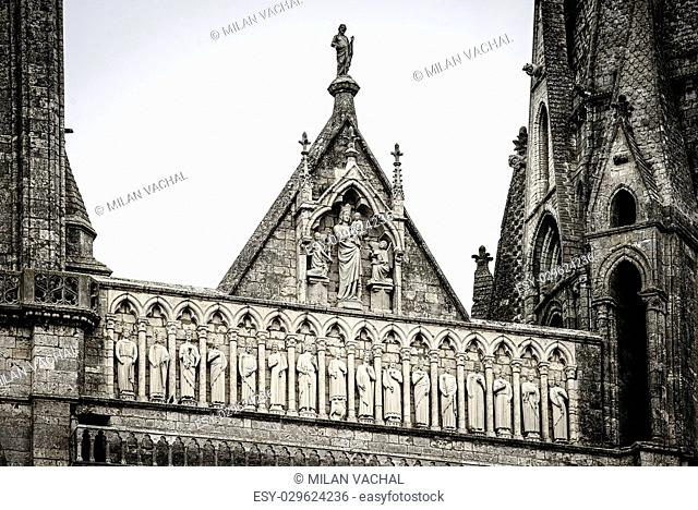 France, cathedral of Chartres, statues on the porch