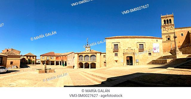 Plaza Mayor, panoramic view. Moron de Almazan, Soria province, Castilla Leon, Spain