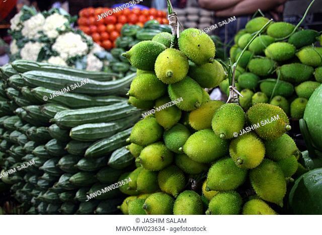 Vegetables at the Kazir Dewri kitchen market in Chittagong, Bangladesh May 26, 2010