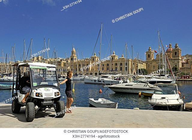 Discovery Tour with a little electric powered car (Rolling Geeks), here on the Azopardo Quay at the Marina of Senglea (Isla) in front of Birgu (Vittoriosa)