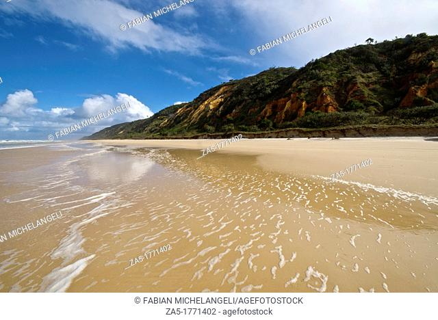 Seventy Five Mile Beach  Fraser Island, Great Sandy National Park, Queensland, Australia