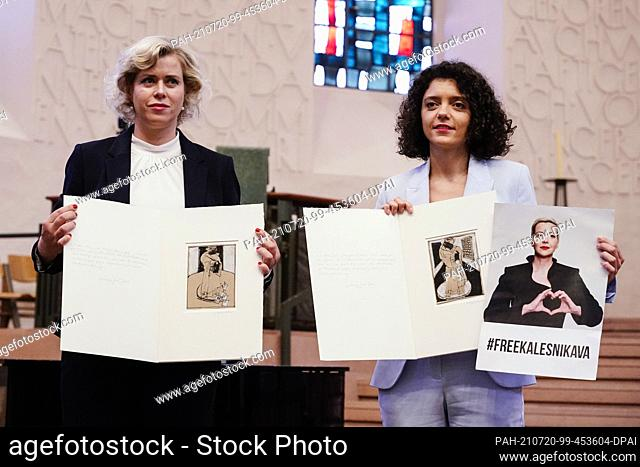 20 July 2021, Rhineland-Palatinate, Worms: Belarusian civil rights activists Veronika Zepkalo (l) and Tatjana Chomitsch - representing the absent Maria...