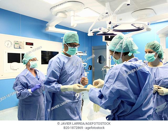 Sterile surgical gloves, Surgeon preparation, Abdominal Hernia Surgery, General Emergency Surgery, Operating Theatre, Donostia Hospital, San Sebastian, Donostia