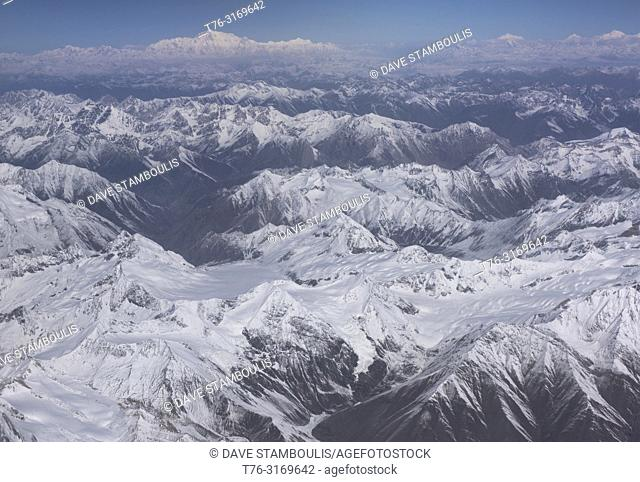 The peaks of Kashmir and Karakoram, with Tirich Mir (7708m) in the Hindu Kush seen in the back, Kashmir, India