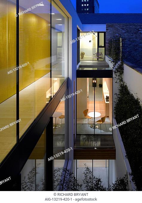 Narrow House, London