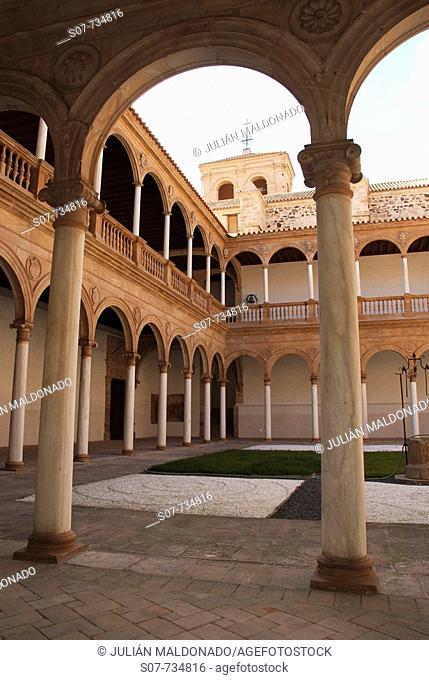 Faculty of Convento de la Asunción de Calatrava (c. 1534), Almagro