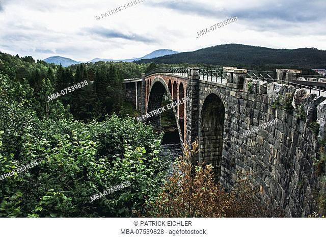 Norway, Møre og Romsdal, Skodke, bridge