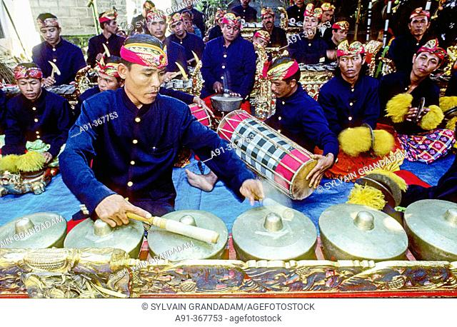 The gamelan (orchestra). Princely traditional wedding  with a teeth filing ceremony. Raka Kondra marries Ayu in the village of Tchangu. Bali island