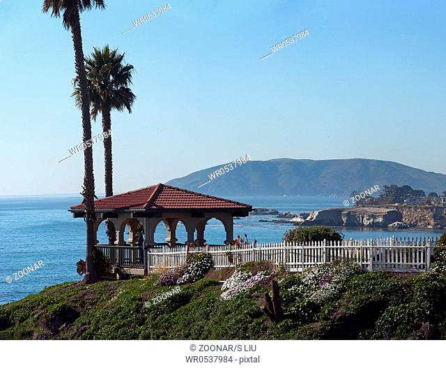 beautiful gazebo overlooks pismo beach