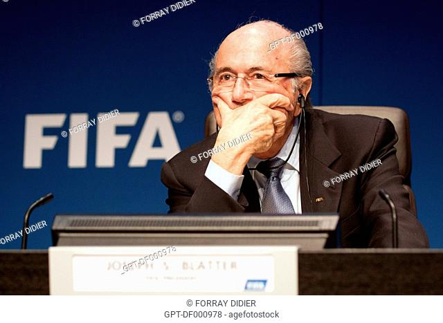 JOSEPH SEPP BLATTER LISTENING TO A QUESTION FROM A JOURNALIST DURING A PRESS CONFERENCE AT THE FIFA HEADQUARTERS, INTERNATIONAL FOOTBALL FEDERATION, ZURICH