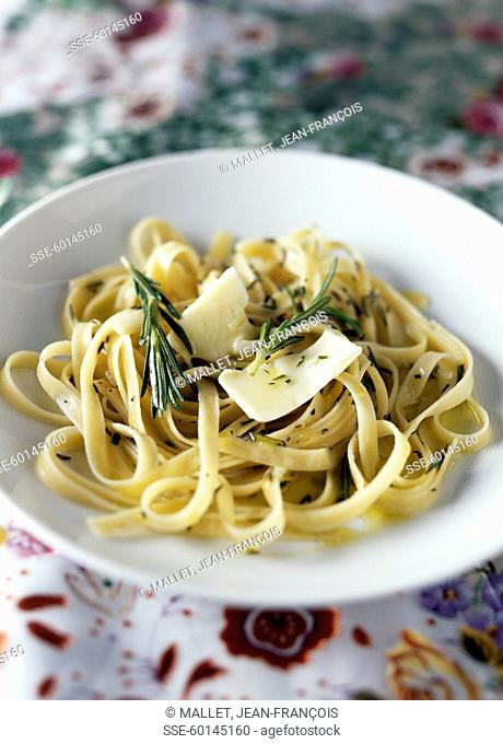 Tagliatelles with rosemary and butter sauce