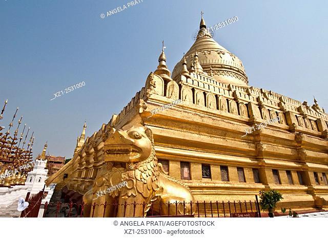 Golden Shwezigon Paya, Bagan, Myanmar