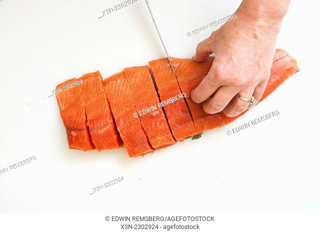 Preparing Salmon (Oncorhynchus) for smoking
