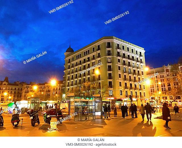 Felipe II Avenue, night view. Madrid, Spain
