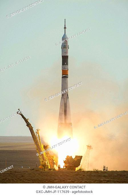 The Soyuz TMA-05M rocket launches from the Baikonur Cosmodrome in Kazakhstan on Sunday, July 15, 2012 carrying Expedition 32 Soyuz Commander Yuri Malenchenko
