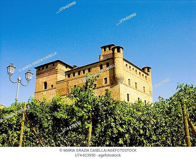 Italy, Piedmont, Grinzane Castle in Langhe region
