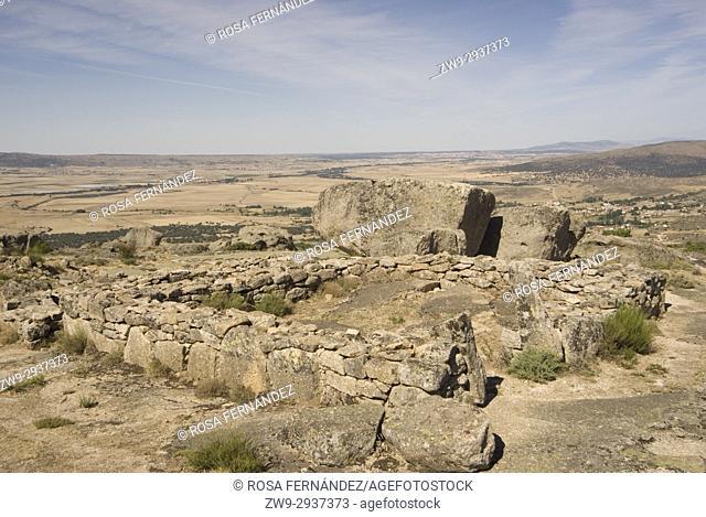 Foundations of ancient houses at the Castro de Ulaca, Villaviciosa, Ávila, Castilla y Leon, Castile, Spain. Vetton village from the Iron Age located at the...