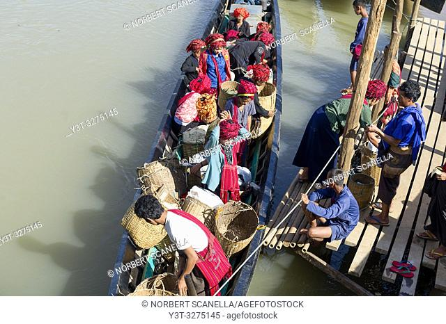 Myanmar (ex Birmanie). Inle lake. Shan state. People of the PA-O ethnicity