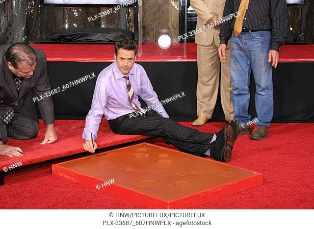 "Robert Downey Jr. 12/07/09 """"Robert Downey Jr. Hand and Footprint Ceremoney"""" @ Grauman's Chinese Theatre, Hollywood Photo by Ima Kuroda/HNW / PictureLux..."