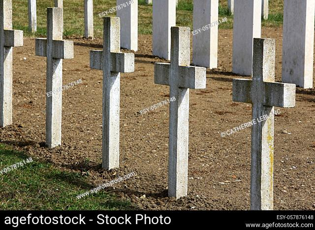 Commonweatlth war Graves. French military cemetery comprising 328 graves of Columeriens, English, Dutch and Africans who died for France in 1914-1918