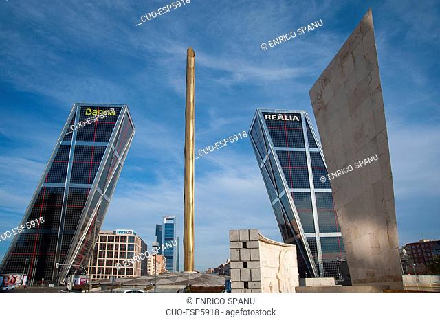 Kio Towers, Office Towers, Bank Bankia and Realia, Gate of Europe, Plaza de Castilla, Madrid, Spain