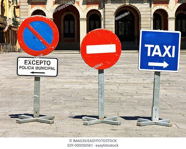 Traffic signs in the Town Hall Square, Zamora. Castilla-León, Spain