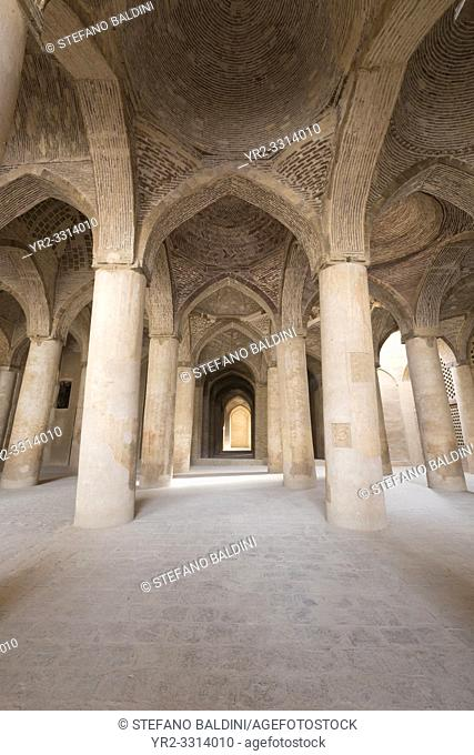 Hall of the Masjed-e Jame (Friday Mosque), Esfahan, Iran