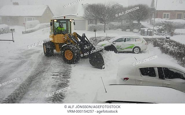 Snowclearing with loader