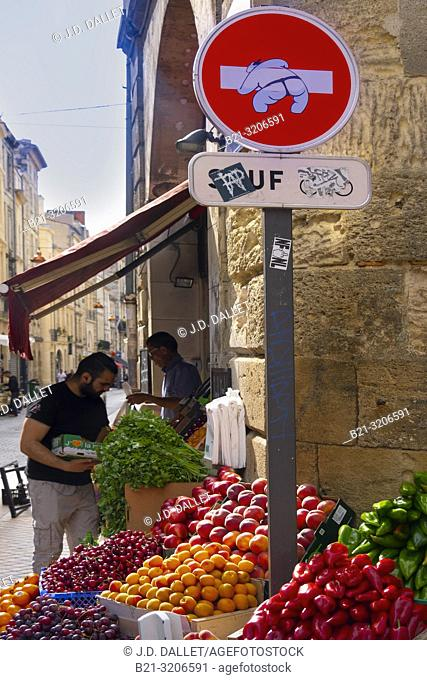 France, Nouvelle Aquitaine, Gironde, Rue des Faures , Saint Michel area, at Bordeaux