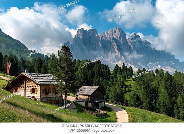 Funes Valley, Dolomites, South Tyrol, Italy. The Kaserillalm/Malga Caseril
