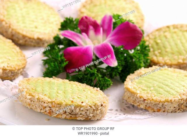 Sesame glutinous rice cake