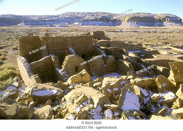 Chaco Canyon Natl Hist. Park Pueblo Bonito (AD800-1250) N.M. Chacoan great house, ruin