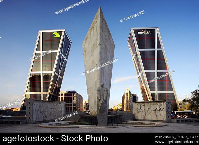 The Calvo Sotelo Monument & Kio Towers, Madrid, Spain
