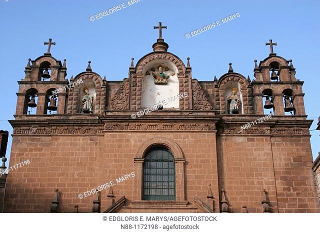 The Cathedral, part of three church complex including El Triunfo and Iglesia Jesus y Maria, Plaza de Armas, Cusco, Peru