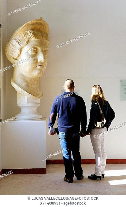 Tunez: Carthage  Carthage Museum  Colossal head of a Antonine's princess  It proceeds from the Forum of Carthage