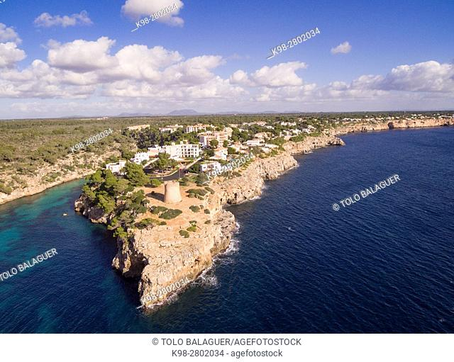 tower of Cala Pi, sixteenth century, used to defend the entrance to the bay, cala Pi, Mallorca, balearic islands, spain, europe
