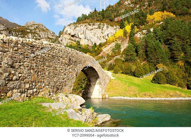 Romanesque bridge