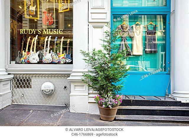 Rudy's guitars www rudysmusic com 461 broome street, Soho, Manhattan, New York City USA