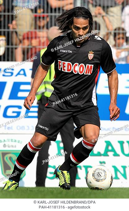 Monaco's playerRadamel Falcao in action during the soccer test match between FC Augsburg and AS Monaco in Memmingen, Germany, 20 July 2013