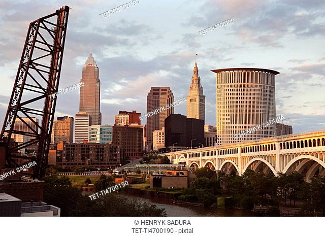 USA, Ohio, Cleveland, City at sunset