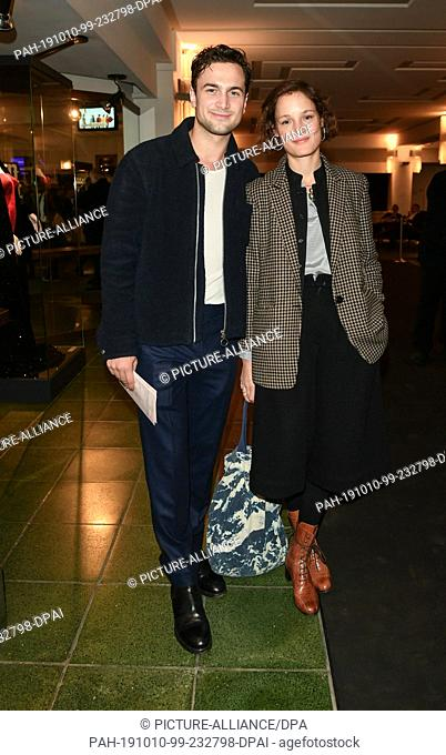 """09 October 2019, Berlin: Samuel Schneider and his girlfriend Vicky Krieps come to the premiere of """"""""Faith in the Possibility of the Complete Renewal of the..."""