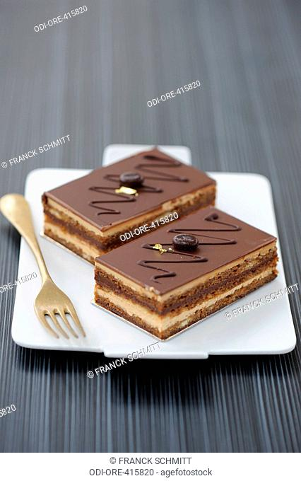 Op?ra, chocolat cake with biscuit