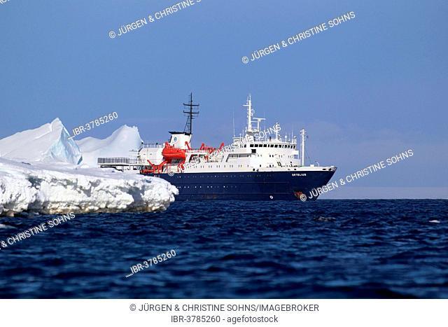 Expedition ship MS Ortelius, Weddell Sea, Antarctica