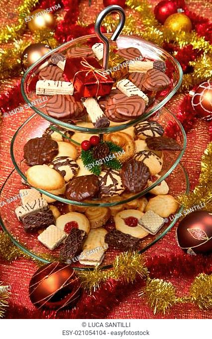 Christmas spice-cakes with chocolate