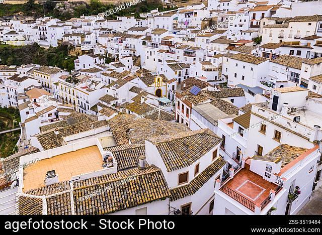 View of the town of Setenil de las Bodegas from the top of the hill. Setenil de las Bodegas, Cádiz, Andalucía, Spain, Europe