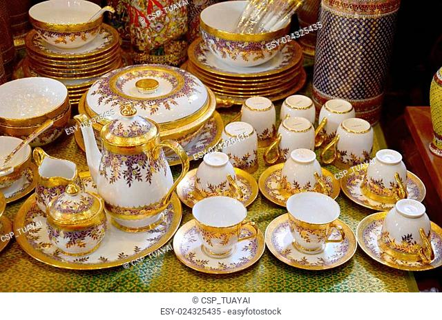 Craft Benjarong is traditional thai five basic colors style pottery
