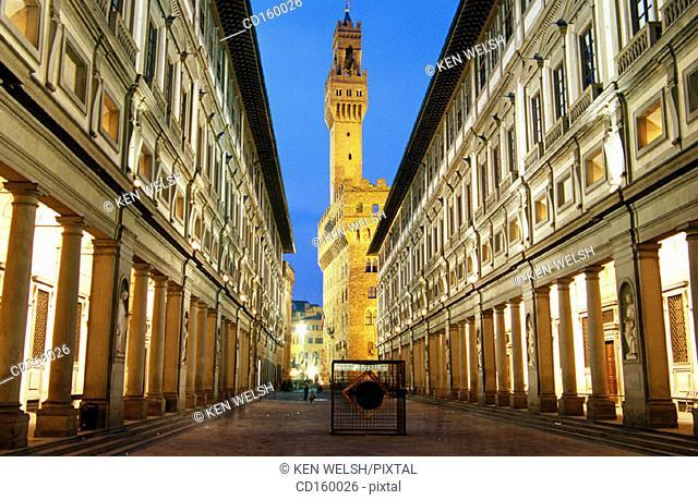 Palazzo Vecchio seen down Piazza degli Uffizi. Florence. Italy