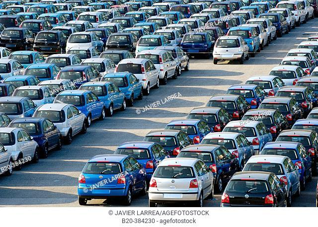 Cars for export. Pasajes harbour. Guipúzcoa. Euskadi. Spain