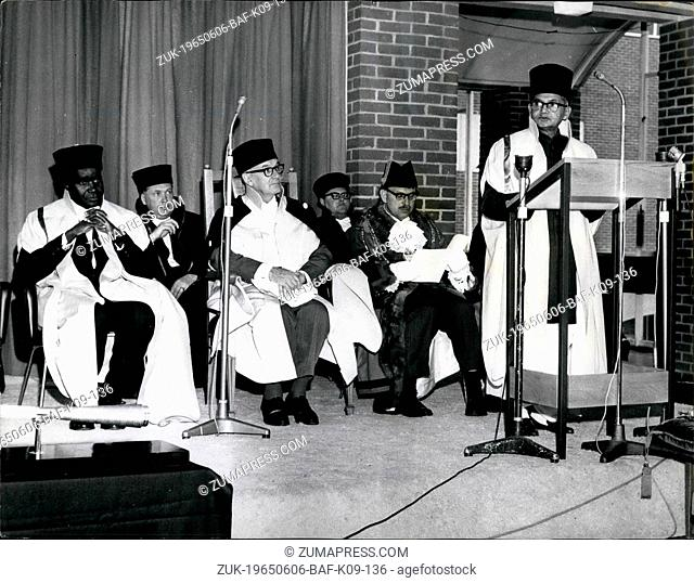 Jun. 06, 1965 - Shastri speaks at Sussex University: Premier Lal Bahadur Shastri of India (right), addresses the congregation at the University of Sussex