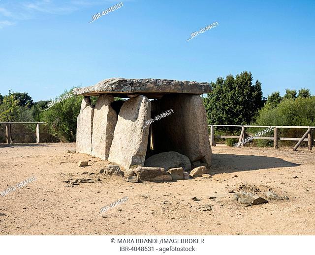 Prehistoric site of Cauria, portal tomb, Dolmen of Fontanaccia, archaeological site, Neolithic period, Fontanaccia, Corsica, France